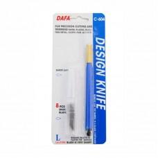 Модельный нож с пластиковой ручкой
