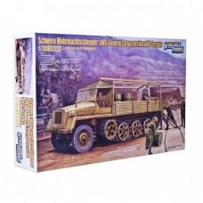 Полугусеничный грузовой транспортер sWS и 5 солдат