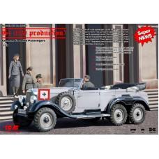 Германский легковой автомобиль G4 (1939 г.) с пассажирами