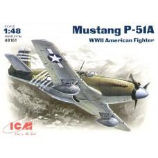 Американский самолет Mustang P-51A
