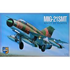 Многоцелевой истребитель МиГ-21 СМТ