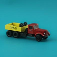 Аэродромный грузовик Яз-210G, смола